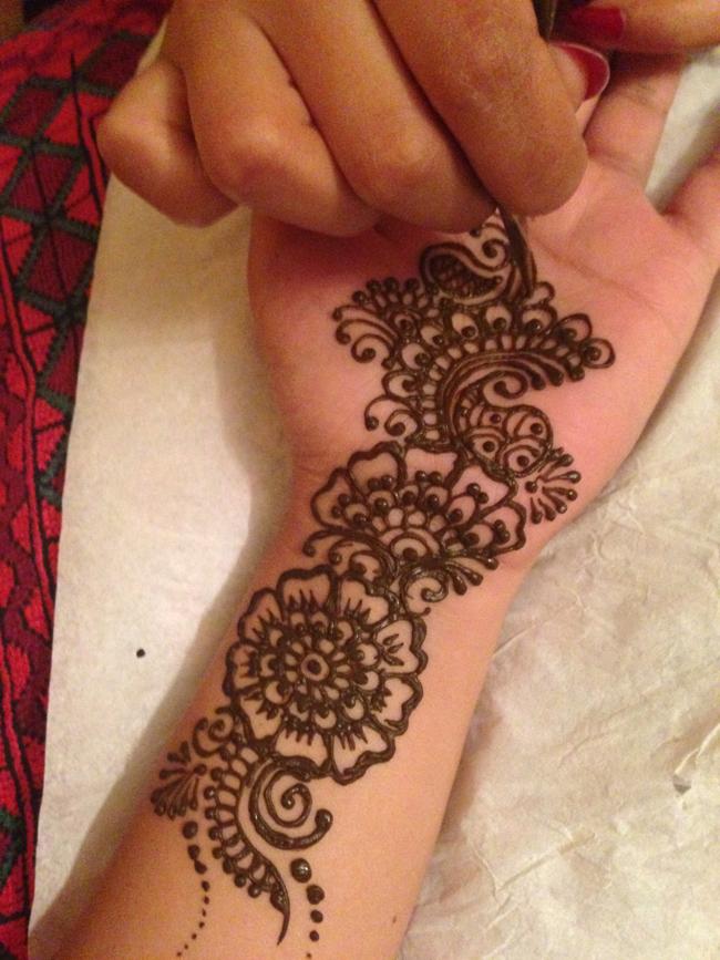 shikha_henna2