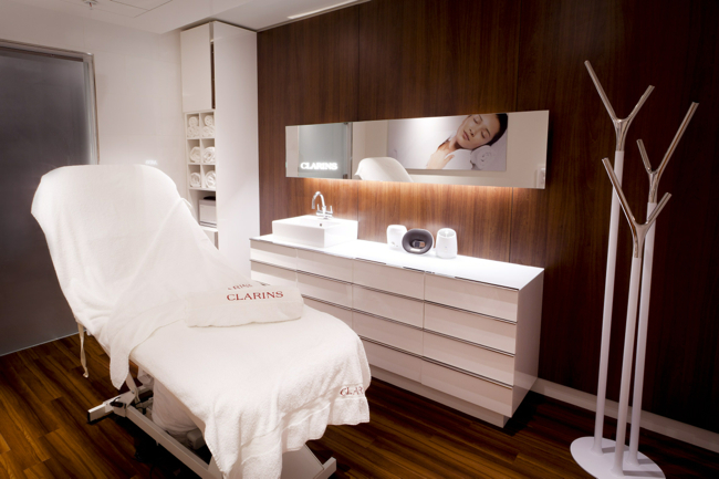 clarins_skin_spa_treatment_room