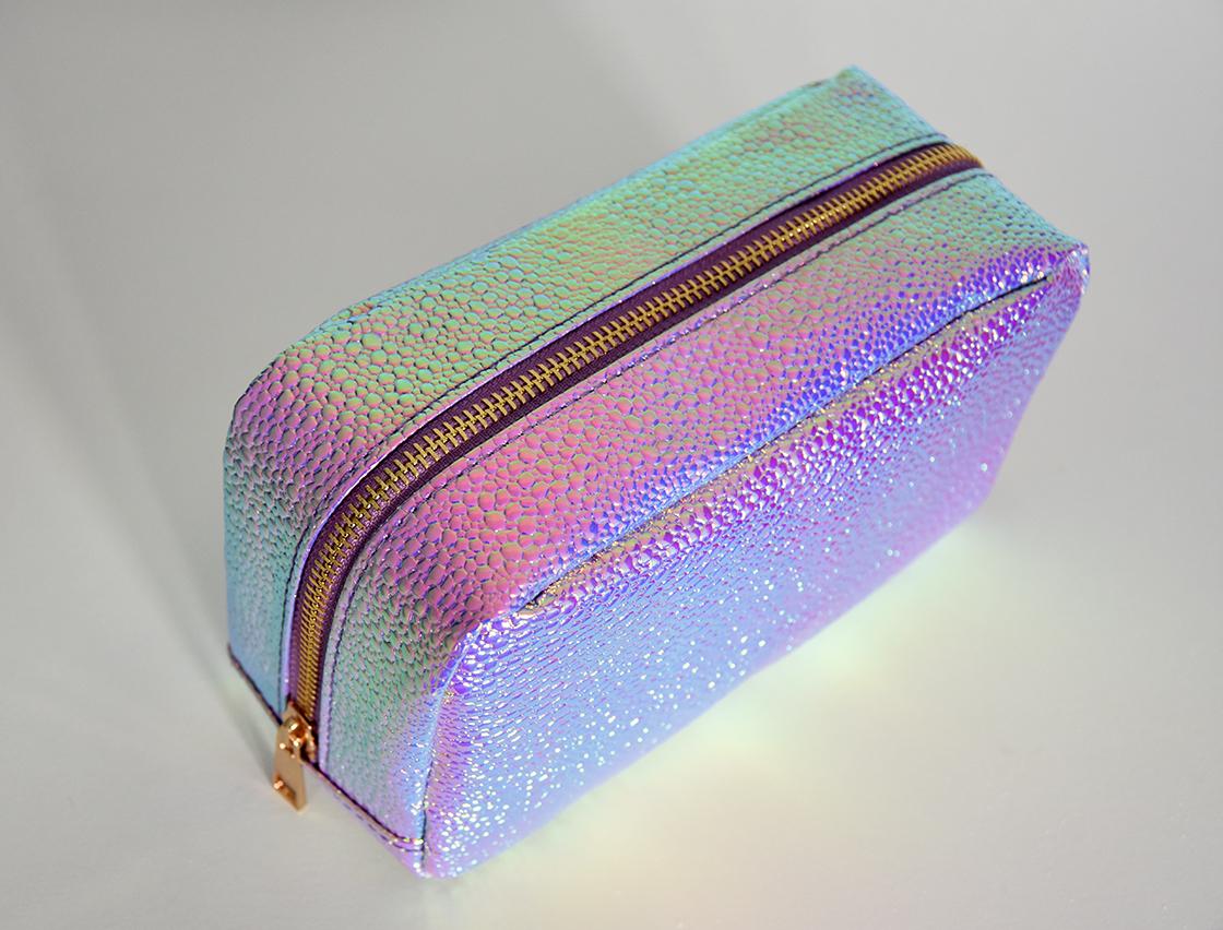 newlook_iridescent_makeup_bag2