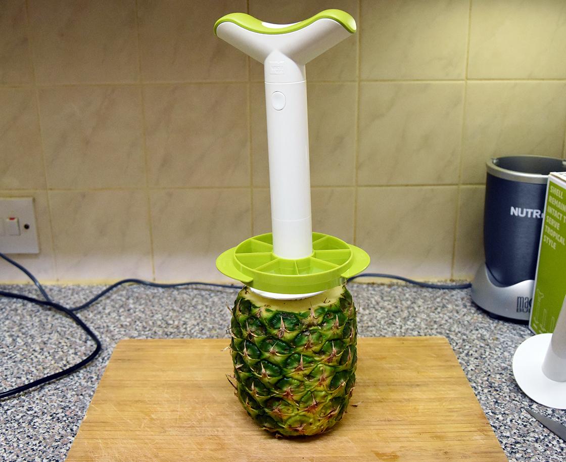 lakeland-pineapple-slicer4