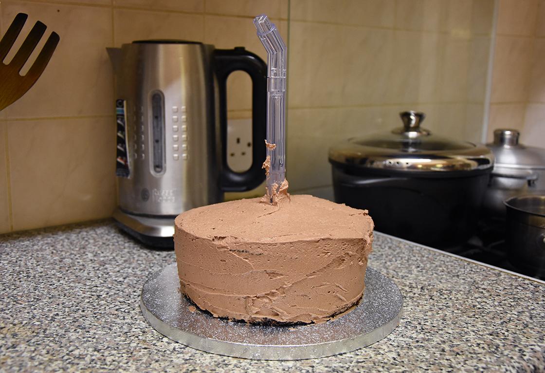 hobbycraft-anti-gravity-cake8