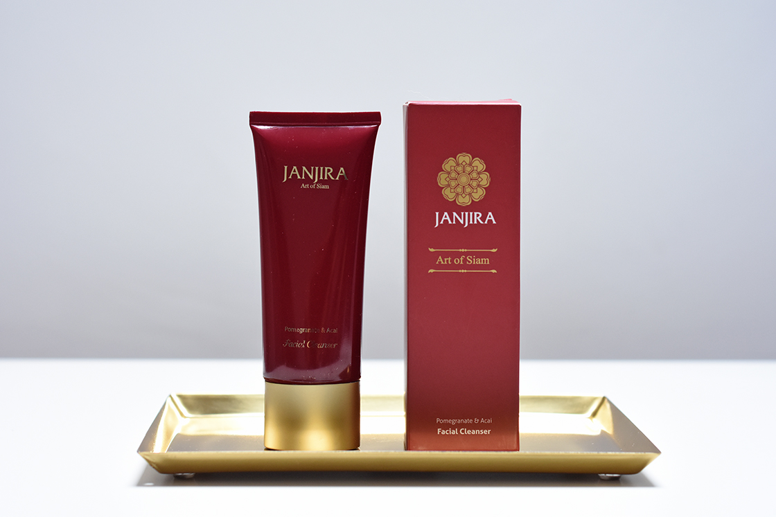 Janjira: Pomegranate & Acai Facial Cleanser
