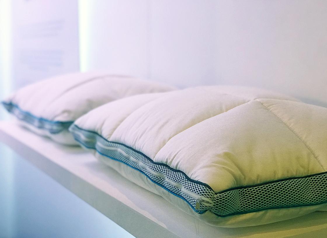 Simba Hybrid Pillow with OUTLAST